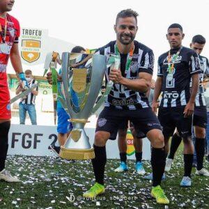 Santa Cruz Futebol Clube vence